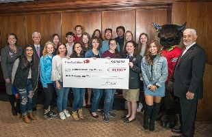 PlainsCapital Bank donates $30,000 in scholarships to local high students