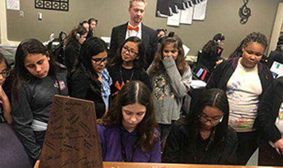 Wright Visits Talkington School for Young Women Leaders